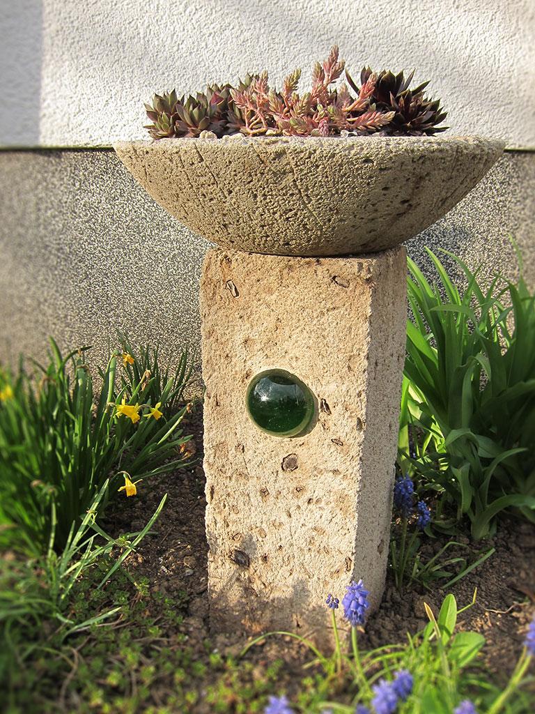 Stele mit schale for Edelstahlsaule mit schale